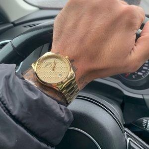 Gucci watch gold